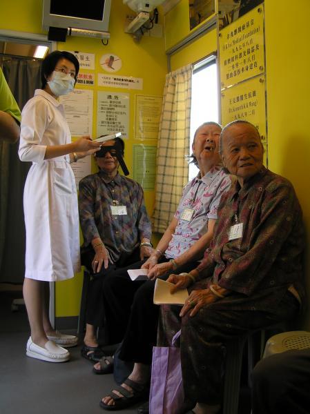 中文大學眼科及視覺科學學系合辦流動眼科服務